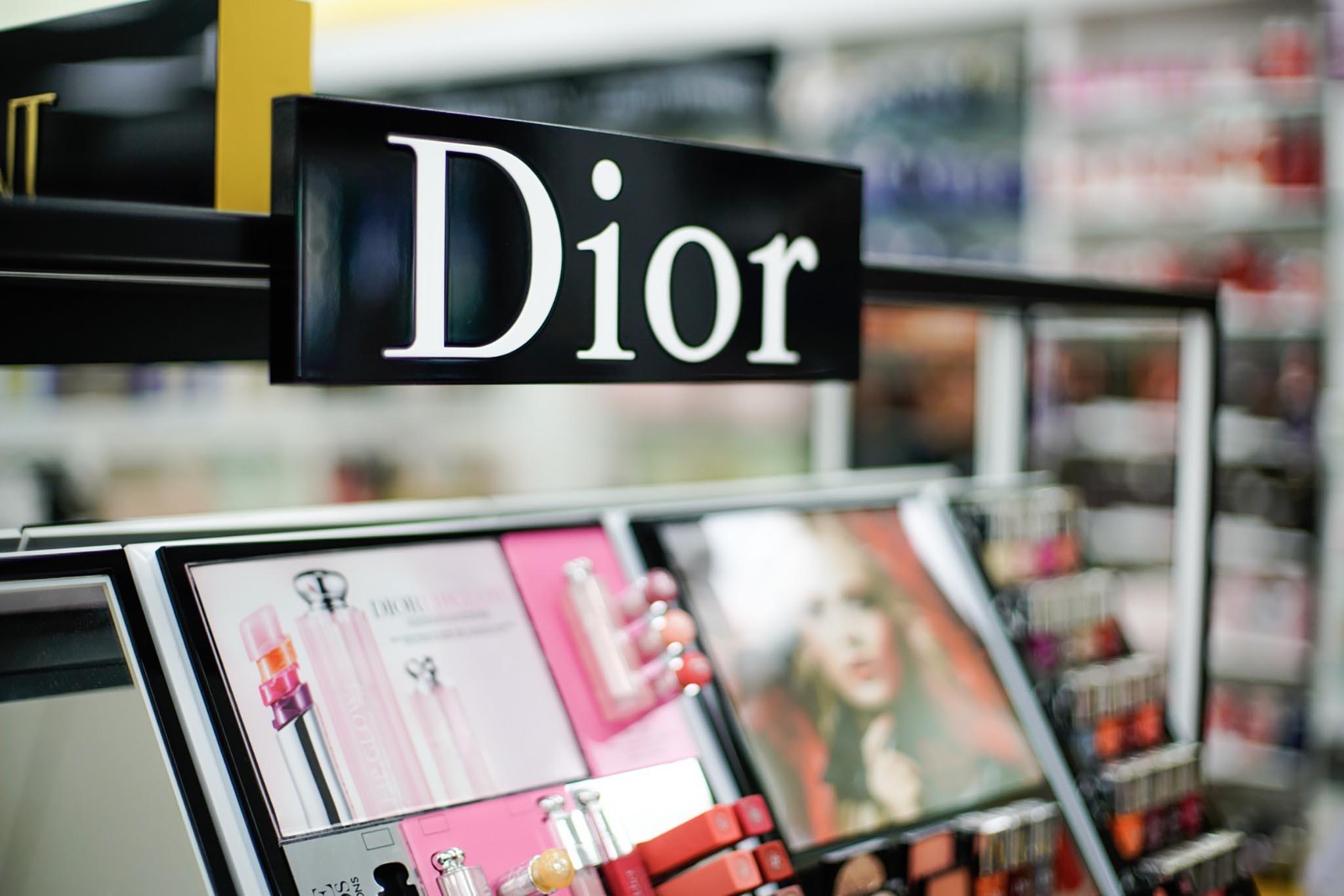 Expositor colorido Dior