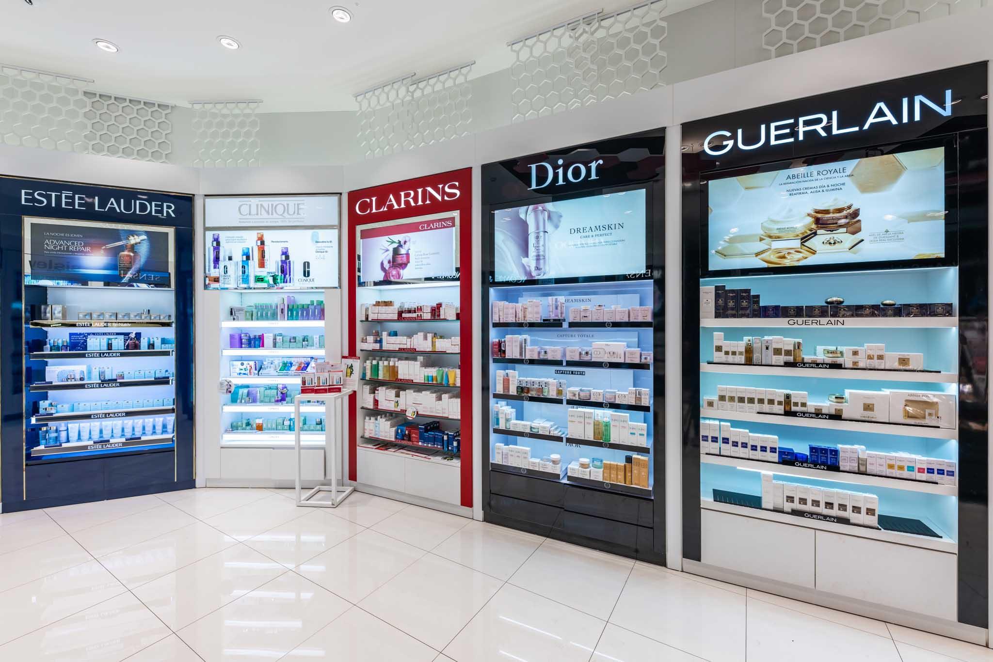 Instalaciones fijas. Guerlain, Dior Clarins, Clinique