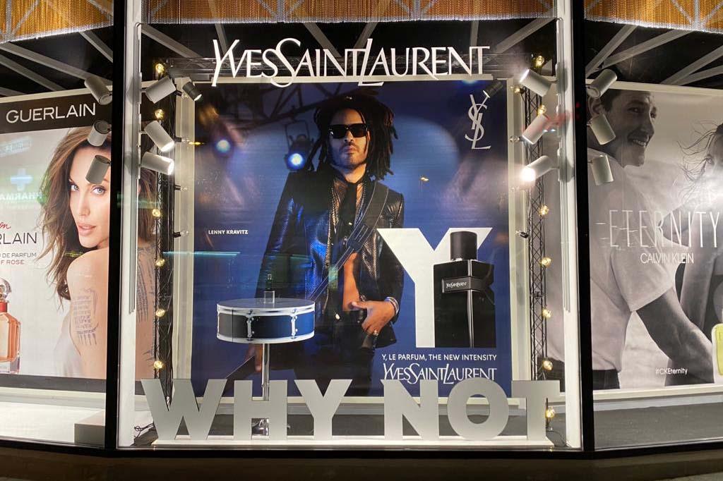 Escaparate YSL. Essenia Lenny Kravitz